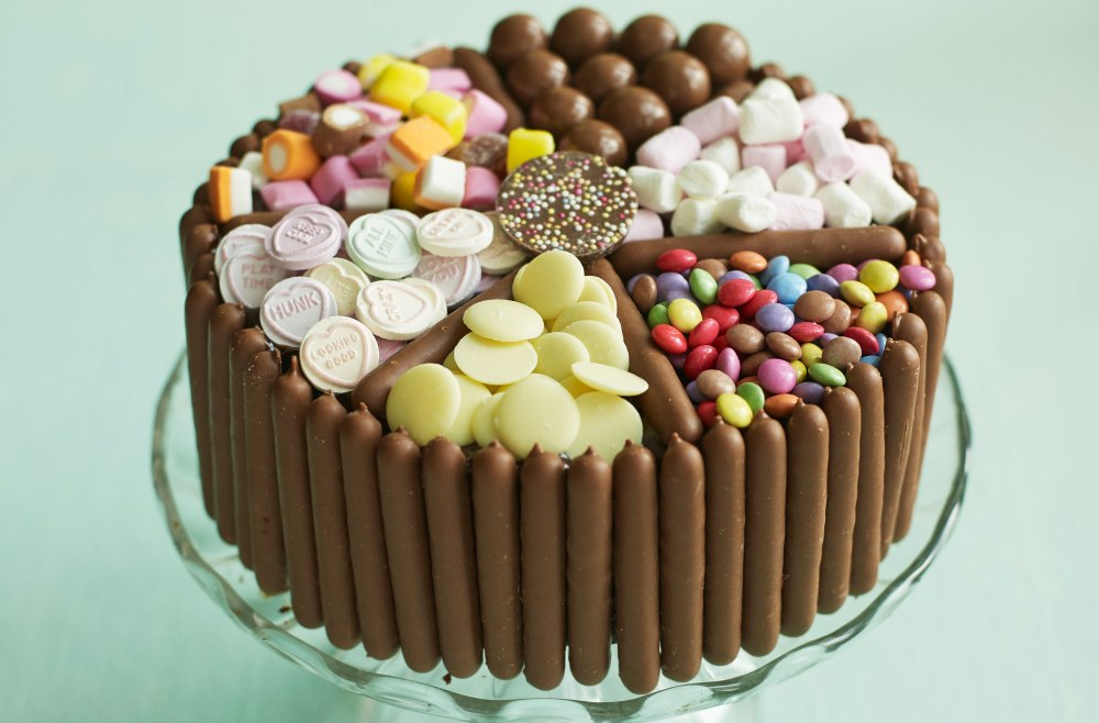 pick-and-mix-chocolate-and-sweet-cake